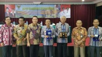 Walikota Tomohon Jimmy F. Eman, SE.Ak menjadi narasumber dalam kegiatan Rapat Koordinasi Kepegawaian yang dilaksanakan di Laguboti Kabupaten Toba Samosi