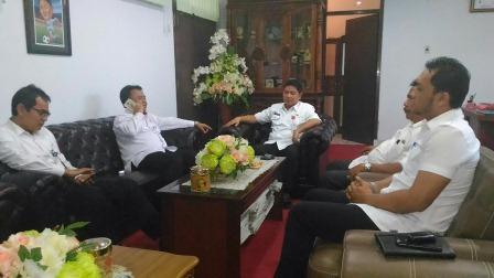 Menteri PANRB Yuddy Chrisnandi Blusukan di Manado