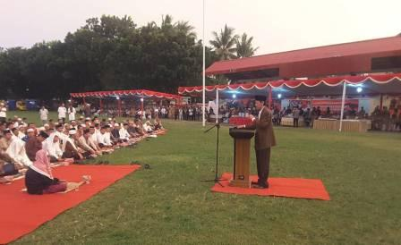 Anggota DPR RI Prof. Dr. Hamka saat memimpin Tausyiah