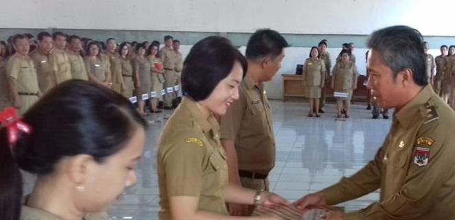 Wongkar Pimpin Apel Perdana Pemkab Minsel