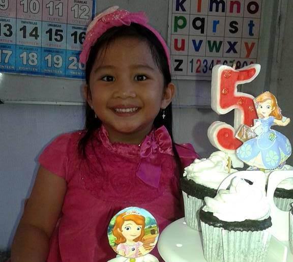 Happy Birthday Praisy Lovely Lady Rondonuwu