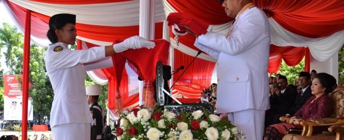 Gubernur Olly Tampil Wibawa