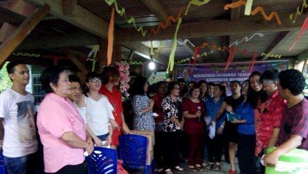 Perayaan Natal Kerukunan Toulour Manokwari