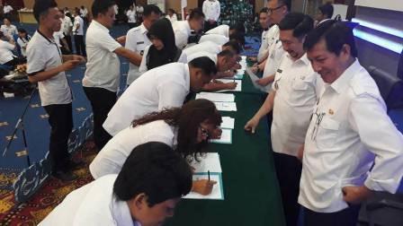 Pejabat Pemkot Manado Sepakat Tanda-Tangani 'Komitmen 953'