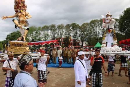 Pawai Ogoh-Ogoh Warnai Peringati Hari Raya Nyepi  di Manado
