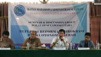 Walikota GSVL Bagi Pengalaman di Seminar di Politeknik Negeri Manado