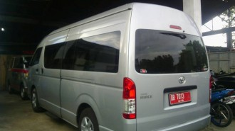 Mobil Bus Hiace Toyota