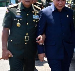Lomban hadiri Upacara Penutupan Dikmata TNI AD ok