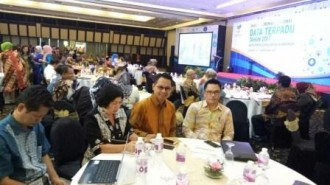 Politon Wakili Walikota Eman di Rakornas Data Terpadu