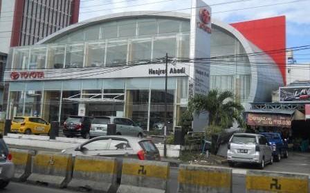 PT Hasjrat Cabang Tendean depan Mantos Boulevard