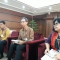 Tirta Segara didampingi A Kamil Razak dan Sondang Martha Samosir
