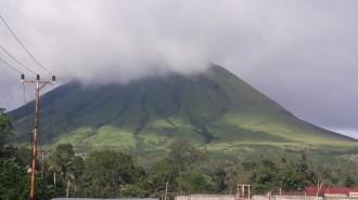 Aktifitas Gunung Lokon Meningkat, Walikota JFE Ingatkan Warga Waspada