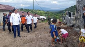 Walikota Tinjau Lokasi Pembangunan Rumah Korban Bencana di Pandu