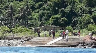 Ikut Rombongan KPK ke Pulau Bangka, Wartawan dan LSM Dilempari Batu