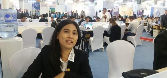 Ketua Panitia Dies Natalis Fakultas Fukum Universitas Sam Ratulangi Manado  ke 60 Sonya Helen Sinombor SH
