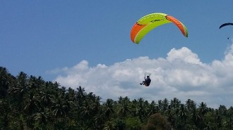 73 Atlet Paralayang Bersaing di Paragliding International Accuracy Open Flying Manado Fiesta 2018