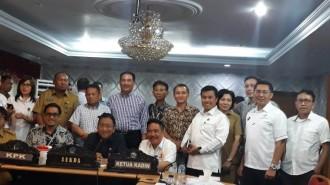 Komisi Pemberantasan Korupsi (KPK) RI,  Pemerintah Provinsi Sulawesi Utara (Pemprov Sulut) bersama Kamar Dagang dan Industri Indonesia  (Kadin) Sulut membentuk KAD Anti Korupsi Sulut