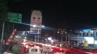 Situasi Bandara Samrat Manado akibat kedatangan habib Smith3