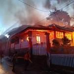 Kebakaran di SMKN 6 Manado. (ist)
