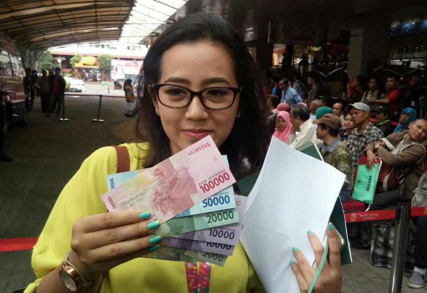 Warga Apresiasi Tenan BI Sulut di Pasar 45 Manado untuk Penukaran Uang