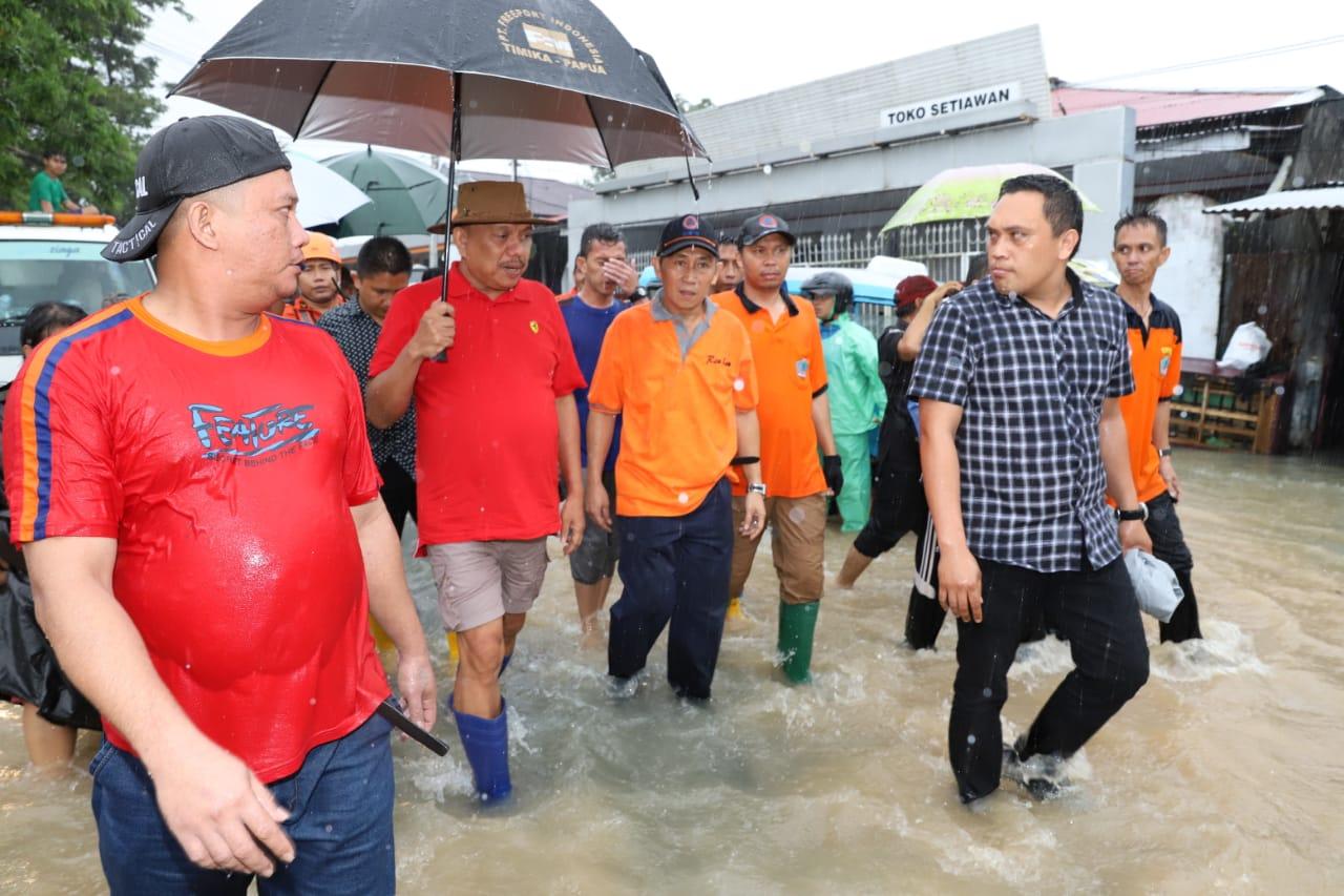 Gubernur OD Pantau Langsung Banjir Manado