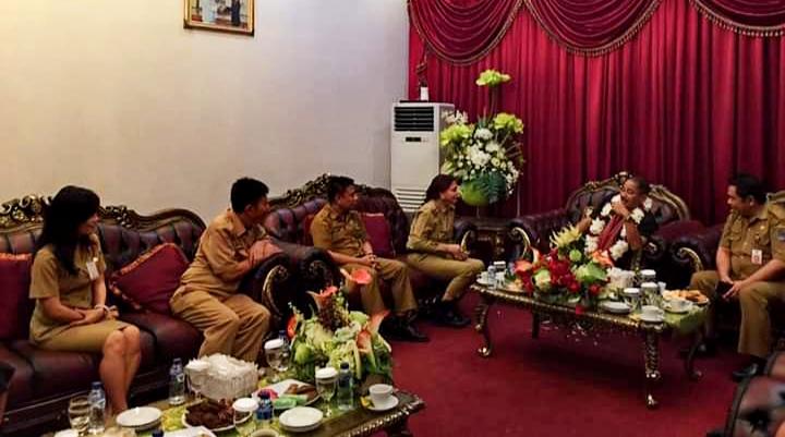 VAP Promosi Destinasi Pariwisata Minut kepada Menteri Arief