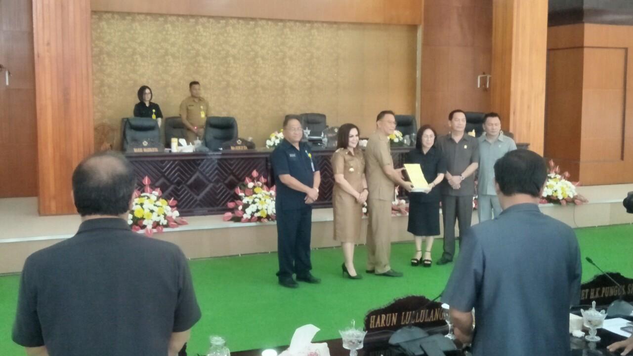 DPRD Paripurnakan Penjelasan Walikota Tomohon LPJ APBD TA2018