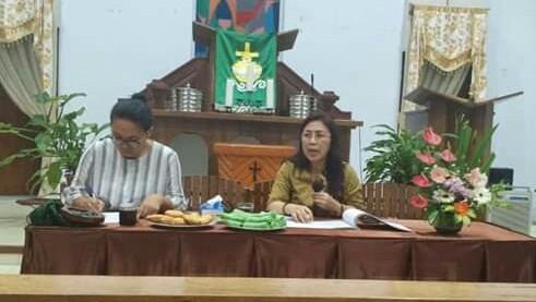 Wenur Pimpin Rapat WKI Tomohon Empat