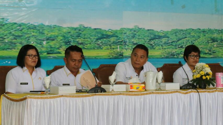 Walikota Pimpin Rakorev Bahas Catatan Fraksi DPRD Tomohon