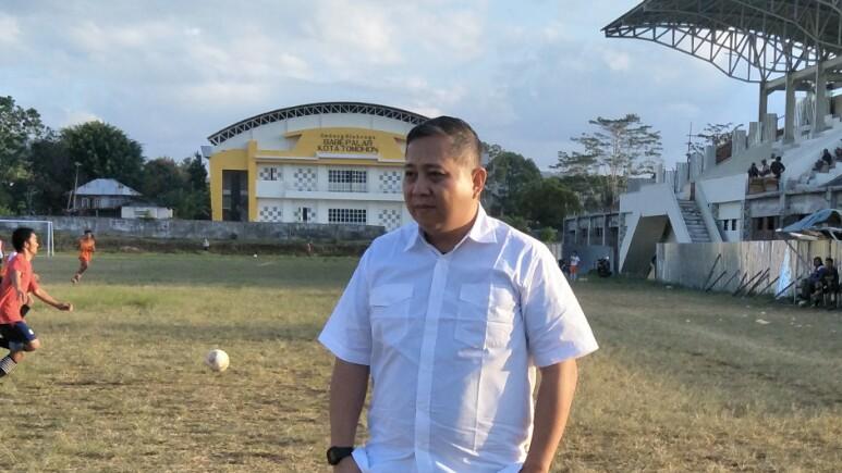 Penatua Dr Roland Roeroe, Makin Populis Dihati Warga Tomohon