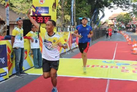Kasdim Pati Ikut Meriahkan Lomba Lari Dalam Rangka HUT ke 74 TNI