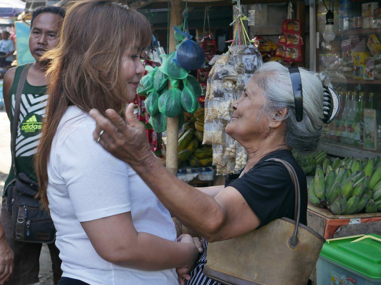 SSK Belanja ke Pasar Paniki, Awania Berharap Walikota Manado 2020 Adalah Perempuan