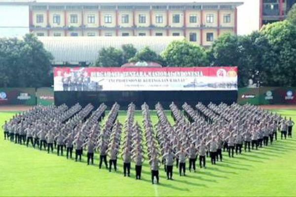 Kapolri Ucapkan Selamat HUT ke-74; TNI Profesional Kebanggaan Rakyat