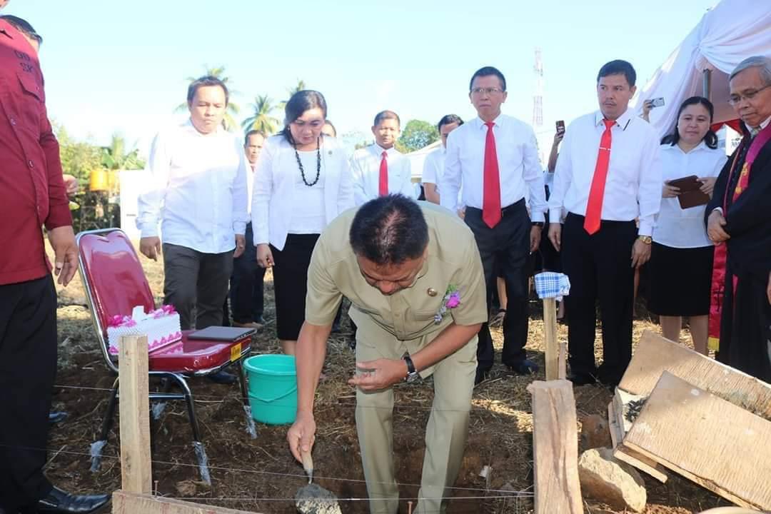 Gubernur Olly Hadiri Peletakan Batu Pertama Gedung Pasca Sarjana IAKN