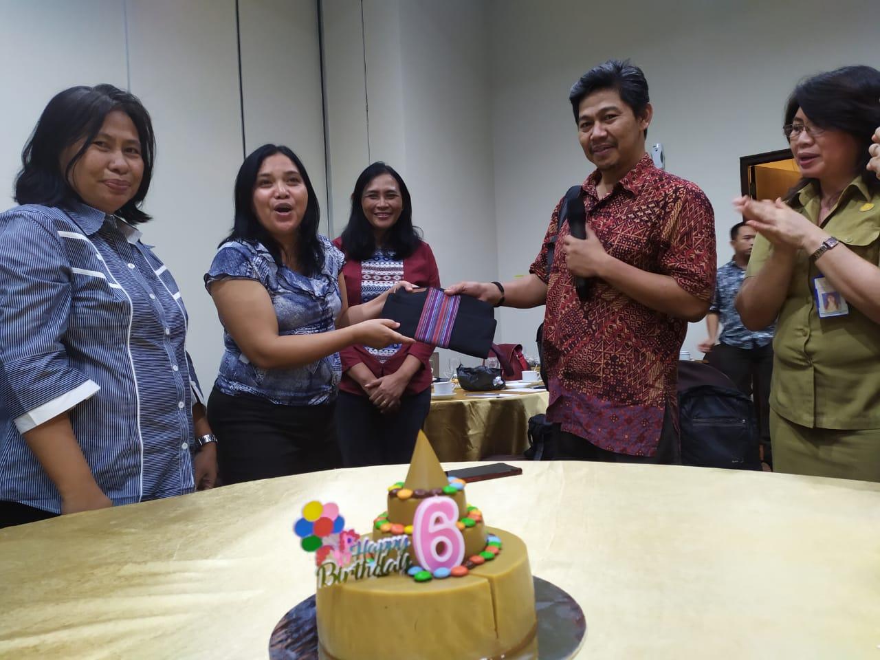 Uni Lubis Jelaskan Alasan Jurnalis Buat 'Berita Tentang Kejahatan': Bimtek Isu Gender dan Anak di Aryaduta Manado