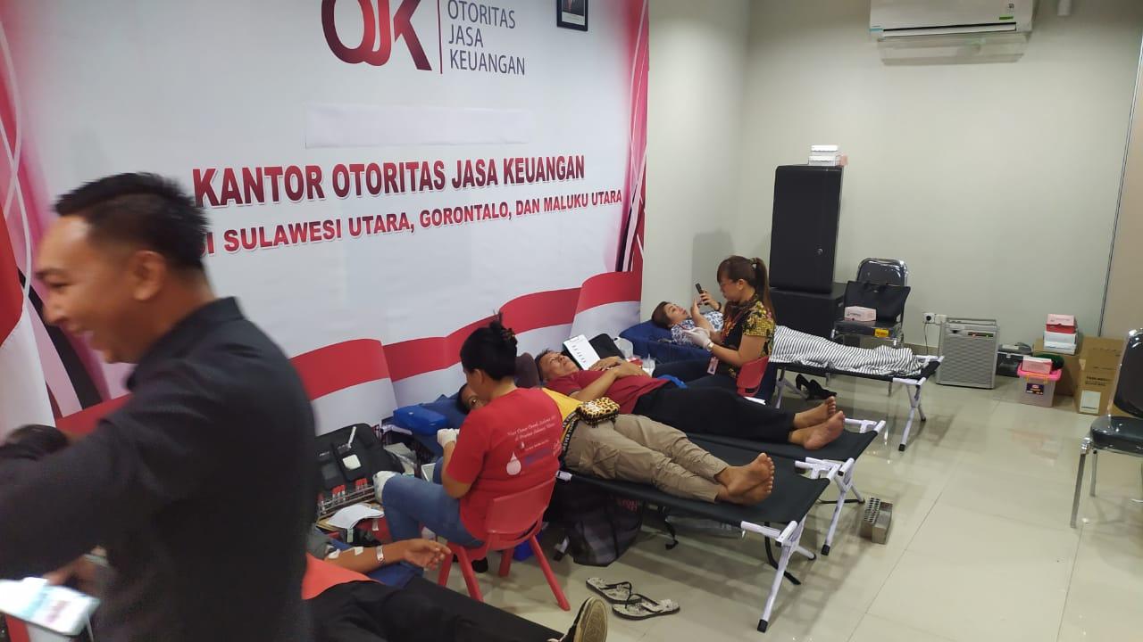 Sambut HUT Ke-8, Giat Donor Darah OJK Sulutgomalut Hasilkan 184 Kantung