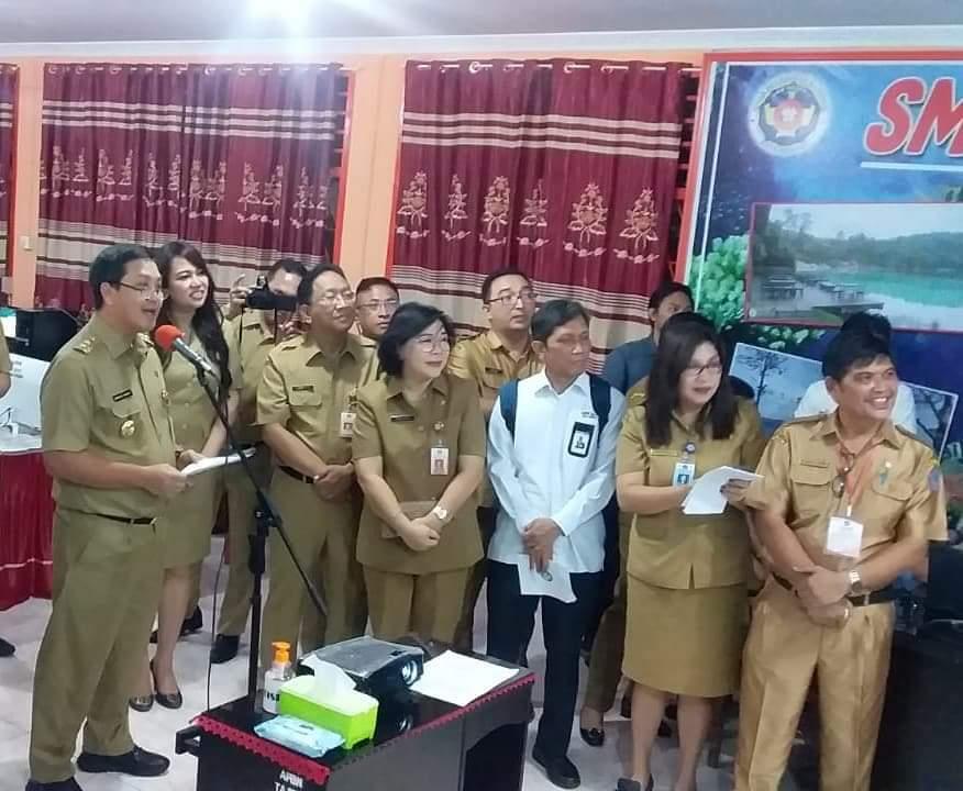 Wagub Kandouw Buka Pelaksanaan UNBK melalui Video Conference