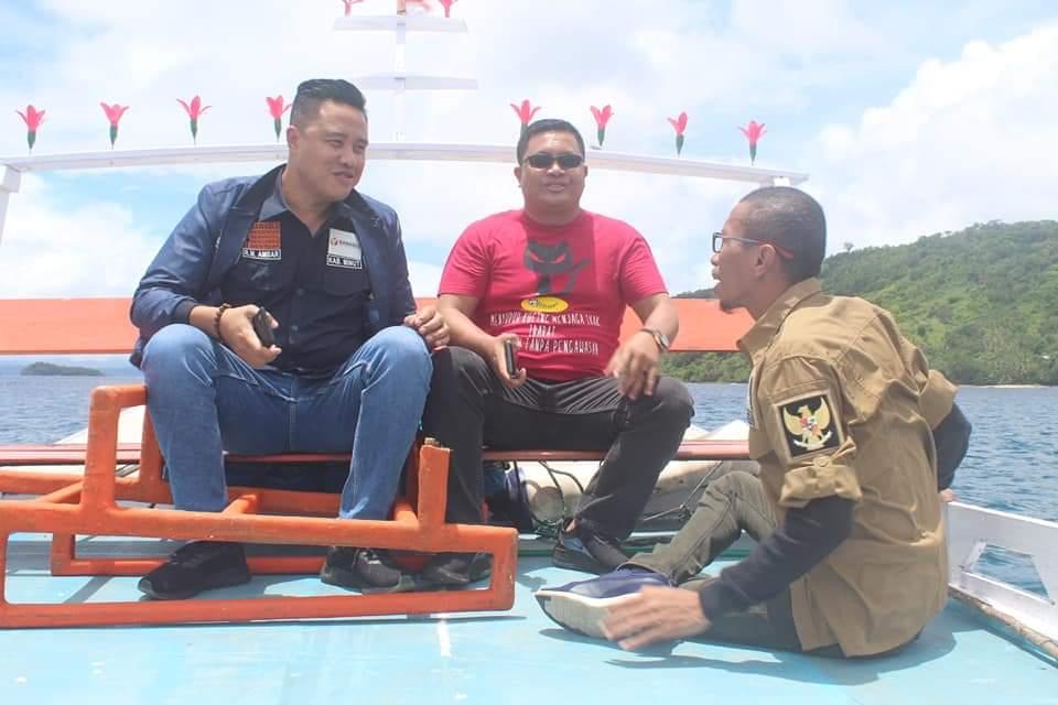 Bawaslu Minut Lakukan Sosialisasi di   Pulau Nain, Mantehage dan Kinabuhutan