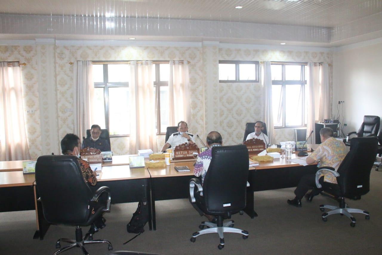 Bahas Tanggulangi Covid-19, Pimpinan DPRD Rapat Bersama Pemkot Tomohon