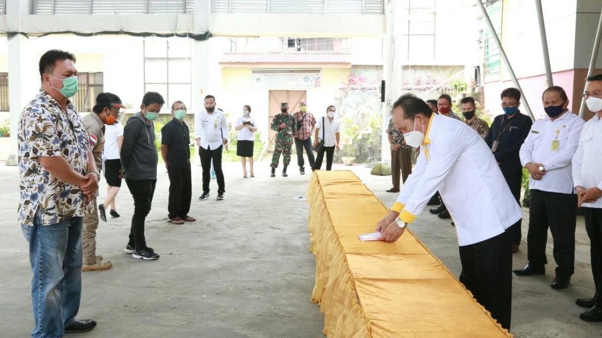 Djemmy Sundah Hadiri Penyerahan Santunan Duka Pemakaman Protokol Covid-19