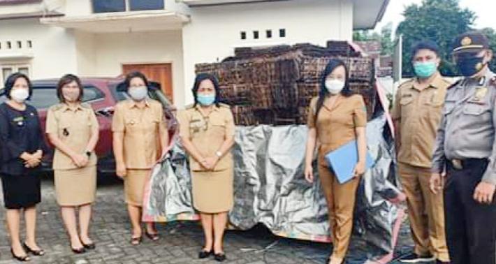 Pemkab Minut Salurkan 1500 Paket Bantuan untuk Kecamatan Kema