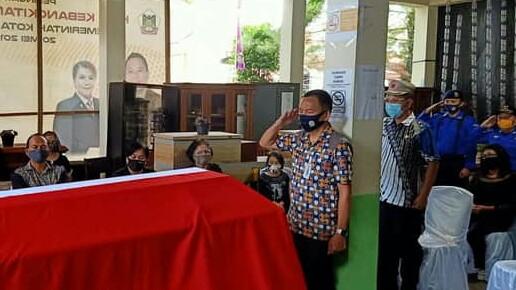 Mandagi Irup Pelepasan Jenazah Anggota Pol PP