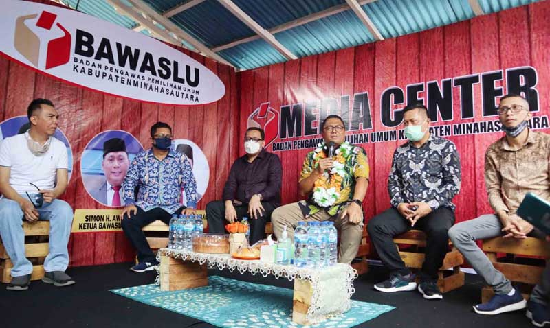 Komisioner Bawaslu RI Resmikan Media Center Bawaslu Minut