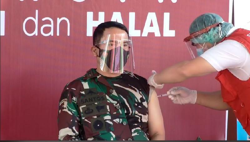 Pencanangan Vaksin Covid-19 di Sulut,  Mayjen TNI Santos Menjadi yang Pertama