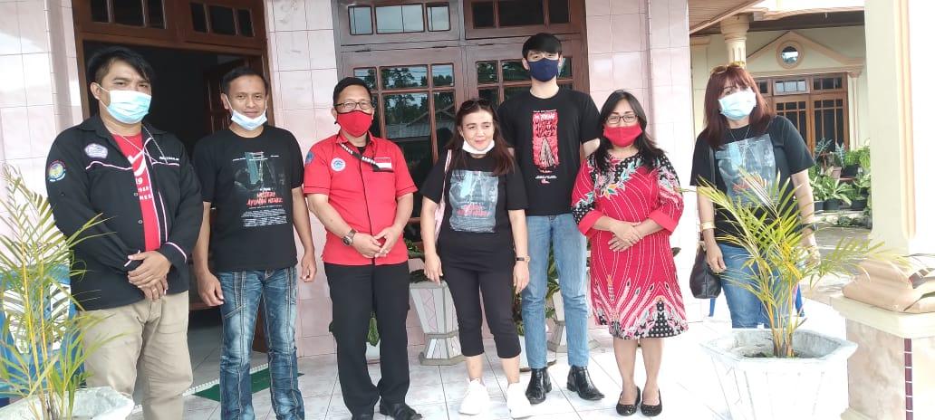 "Sutradara Film "" De Toeng"" Bayu Pamungkas Kunjungi Desa Wisata Wiau Lapi Barat"