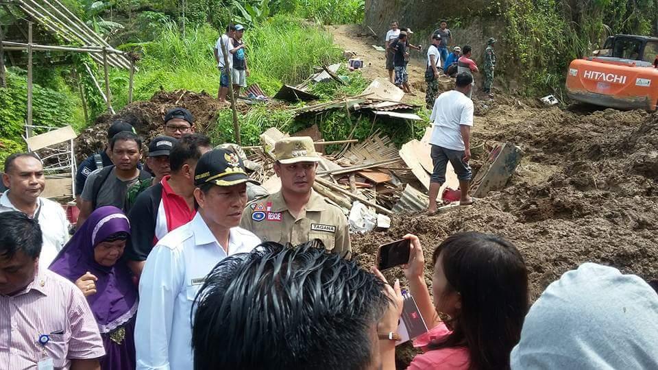Hujan Deras Mengguyur Kota Manado, Banjir dan Longsor Melanda
