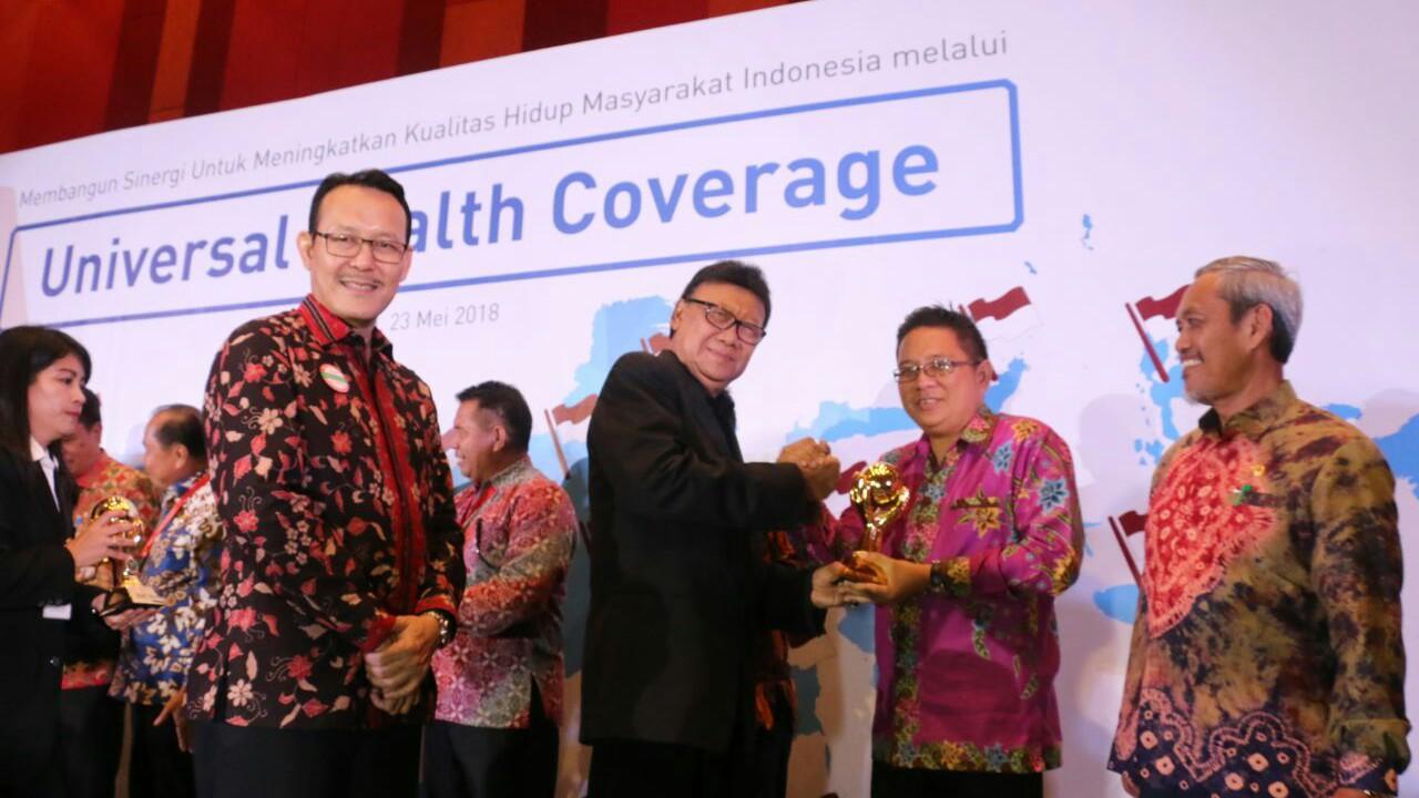 JFE-SAS Terima Penghargaan UHC JKN-KIS Award