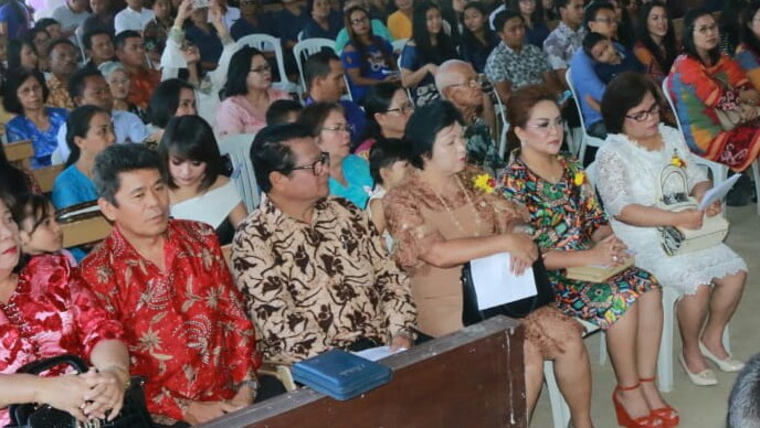 Pungus Hadiri Ultah GMIM Bukit Sion Kayawu