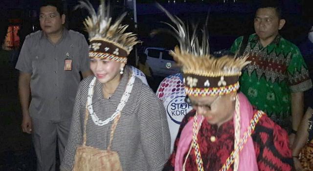 Bupati VAP Dampingi Menteri Yohana Yambise Sosialisasi Kebijakan PP-PA di Manokwari