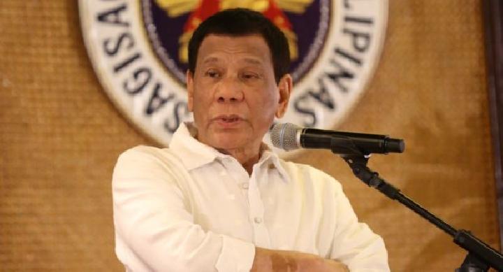 Duterte Dikecam Sebut Pernah 'Menyentuh' Asisten Rumah Tangganya